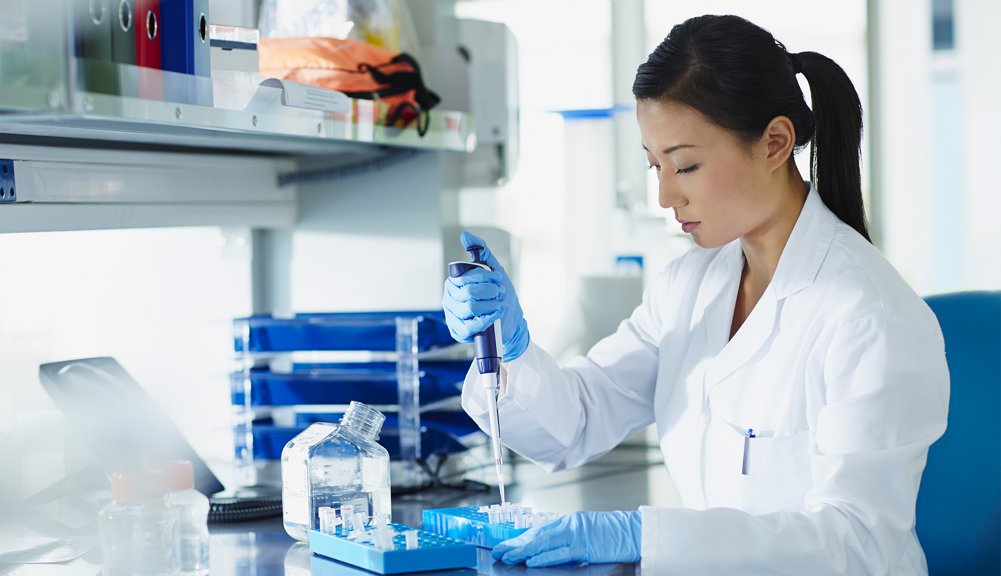 becoming a forensic scientist To work as a forensic scientist you'll usually need either a degree in a scientific subject, such as biological sciences or chemistry, or a degree in forensic science degree.